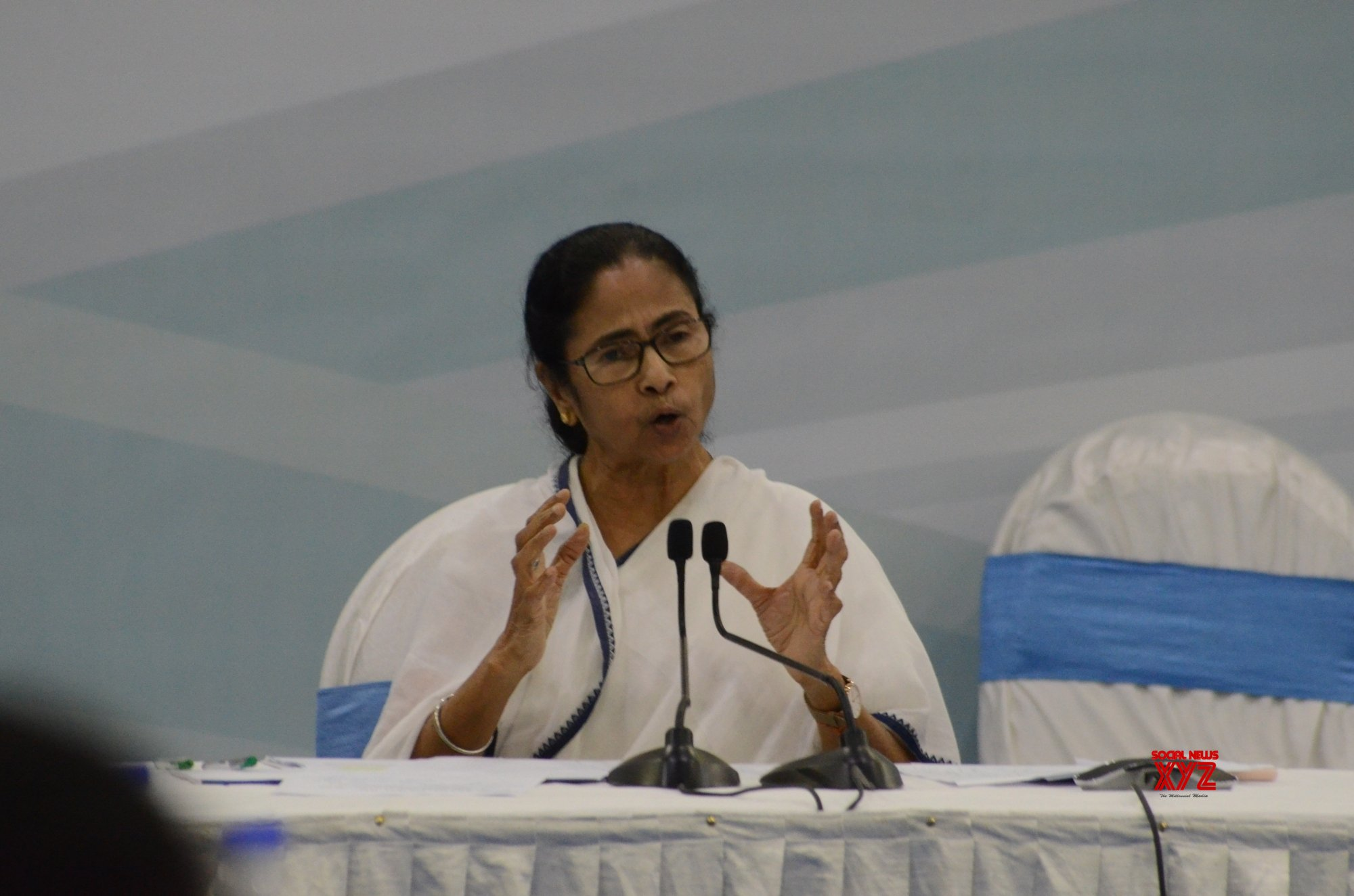 Mamata urges CMs of 18 states to help stranded workers from Bengal