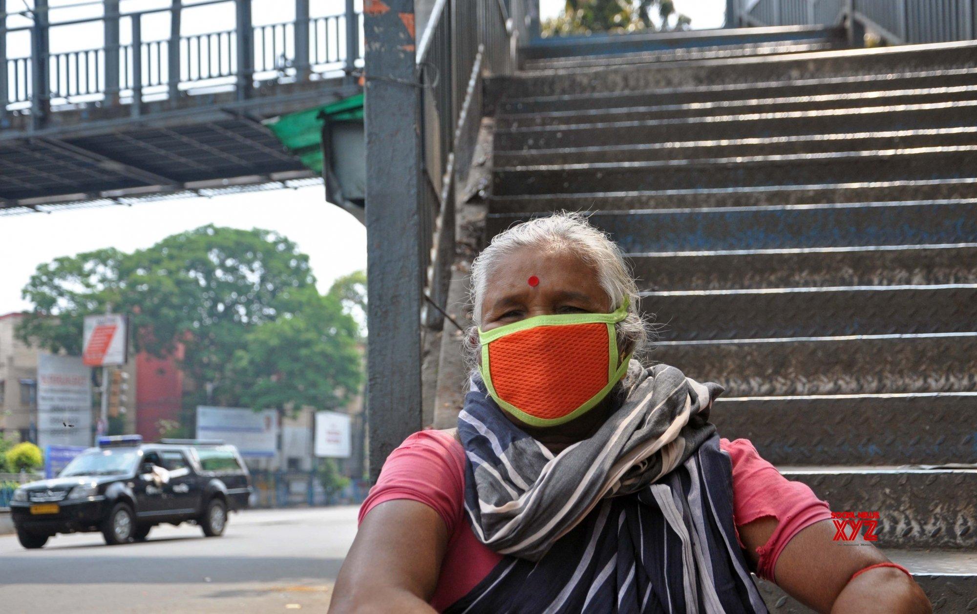 Kolkata: Woman wears mask amid COVID019 pandemic #Gallery