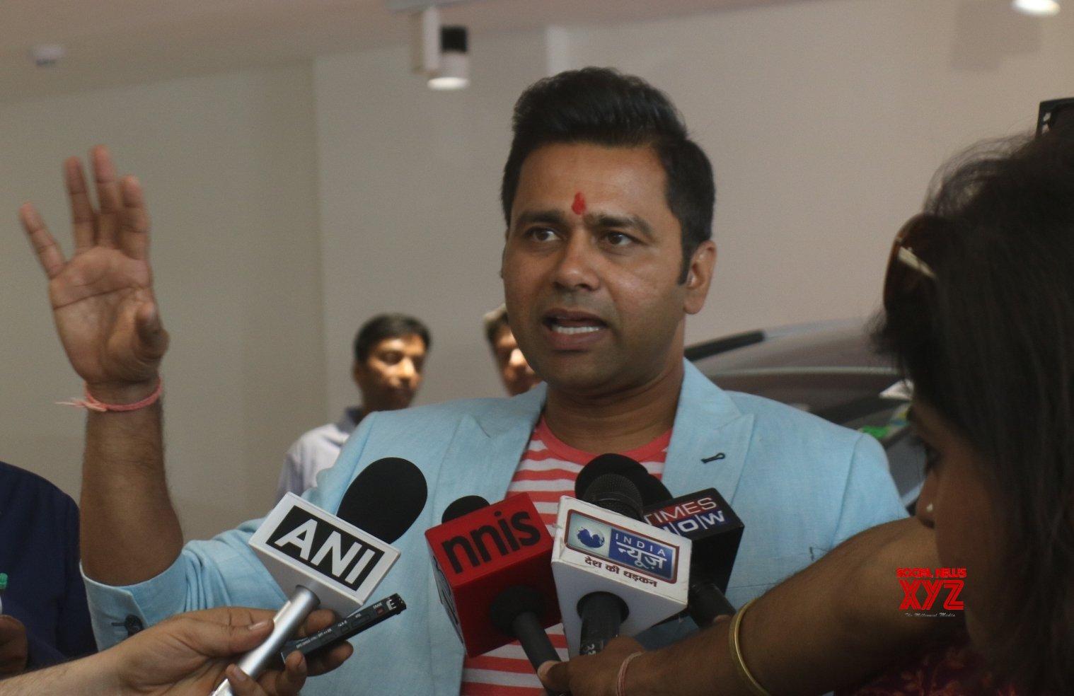 MS Dhoni to lead Aakash Chopra's all-time IPL XI