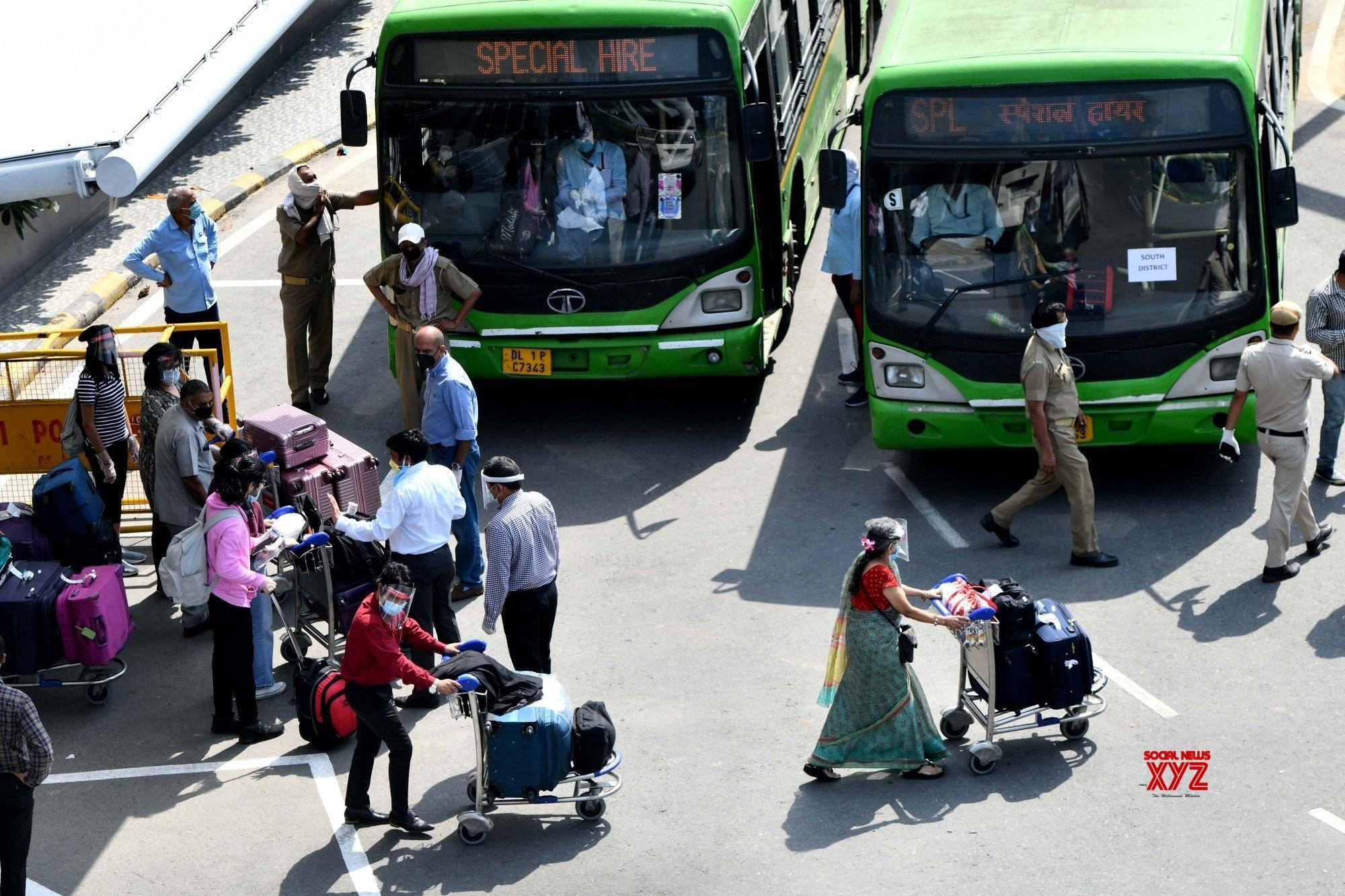 Delhi Govt sets up Oxygen cylinder pool at DTC bus depots