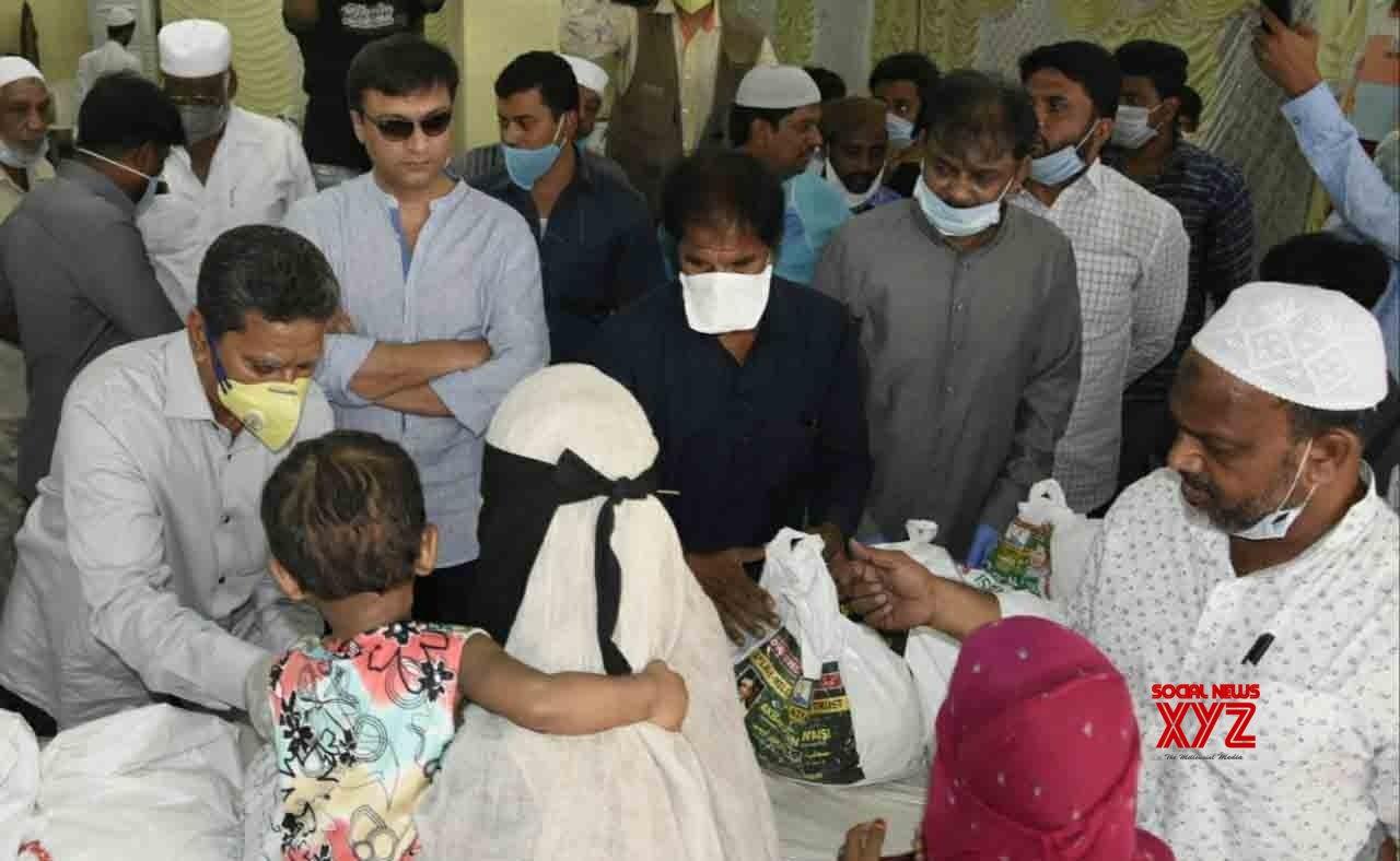 Hyderabad: Akbaruddin Owaisi - distributes free ration kits among the poor during lockdown #Gallery