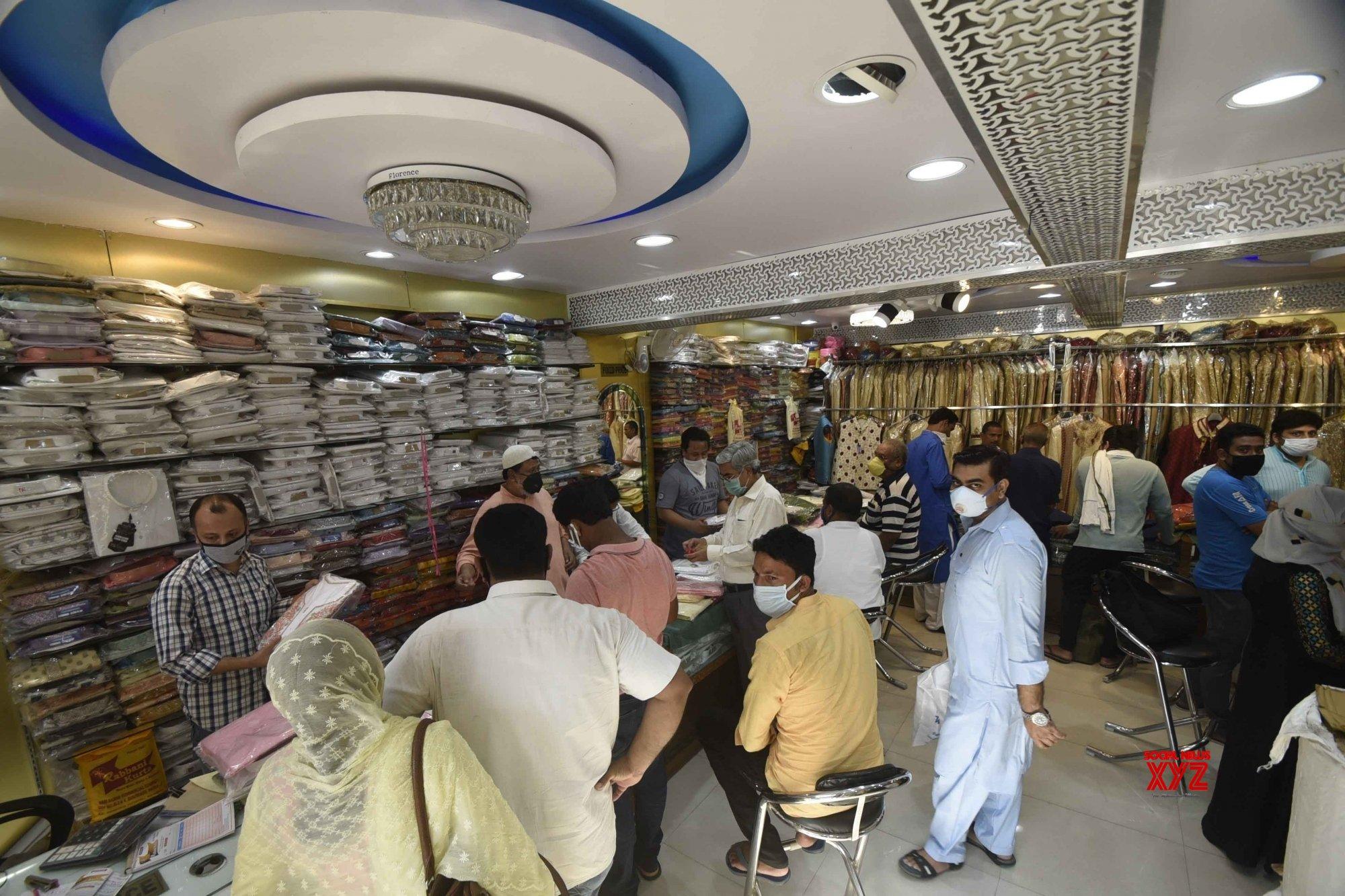 Patna: Eid shopping during lockdown - 4 #Gallery