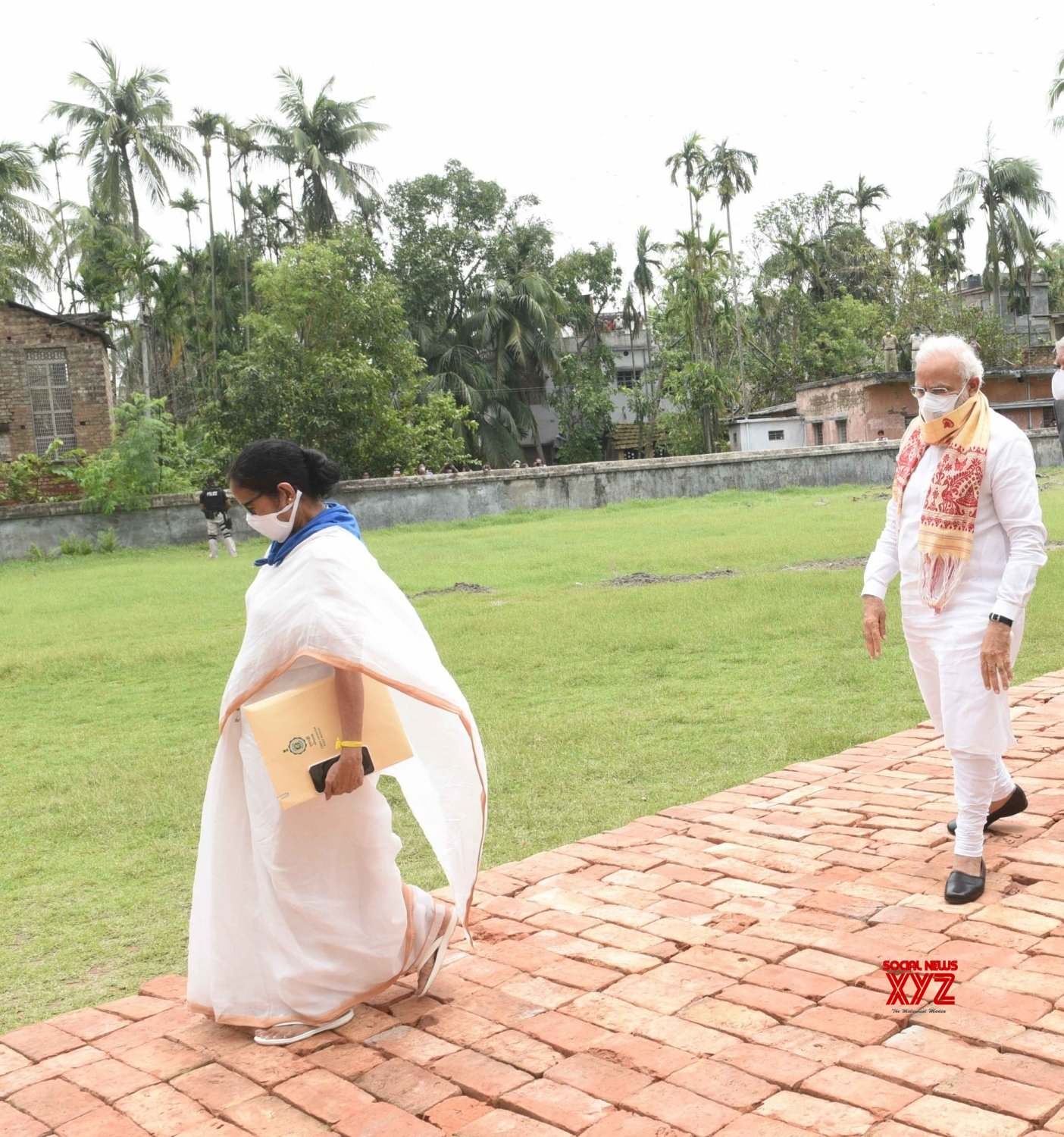 Basirhat: PM Modi meets WB Governor, CM over Cyclone Amphan #Gallery