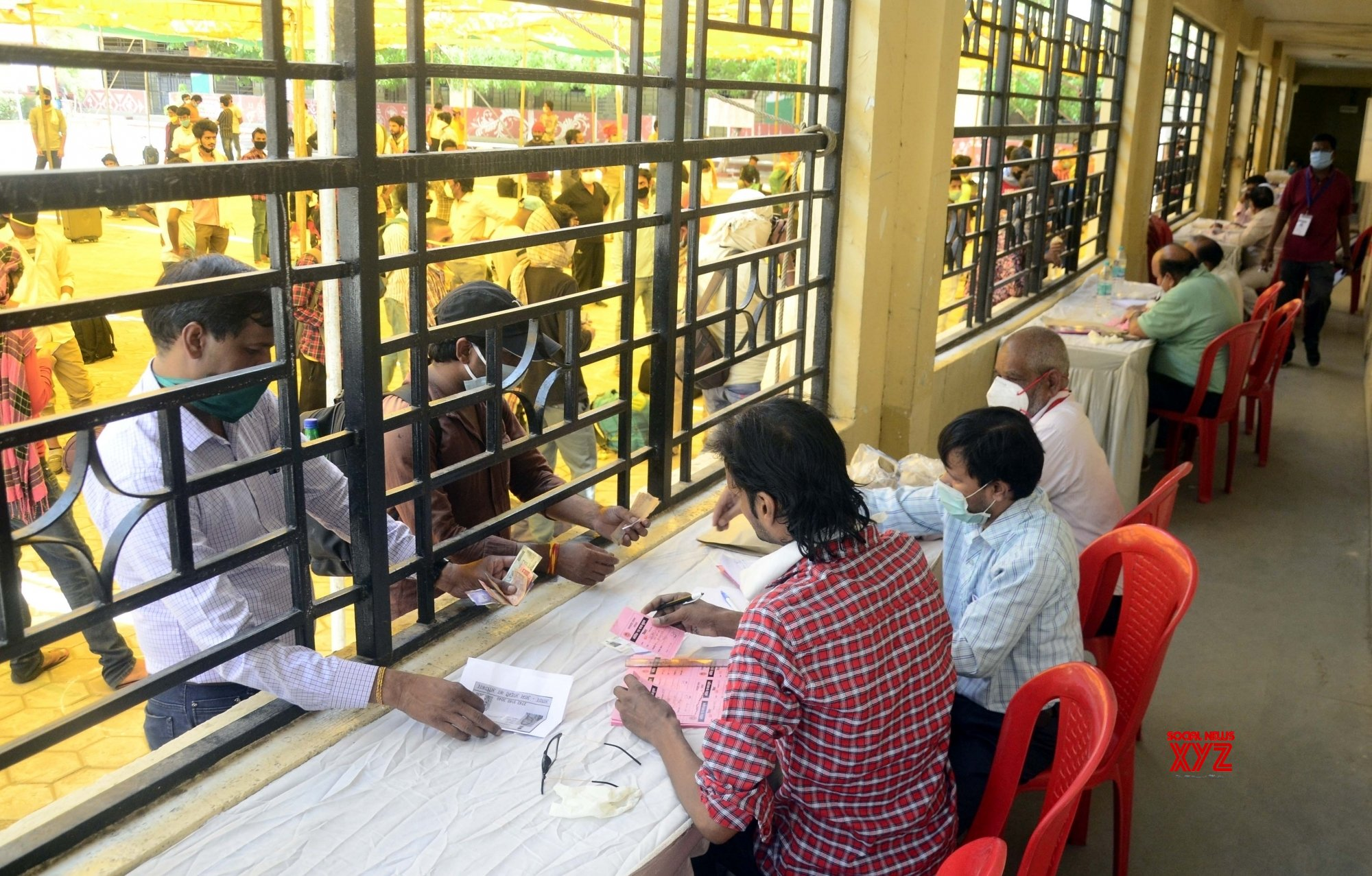 Bhopal: Bihar migrants register themelves to return to their home state during lockdown - 4 #Gallery
