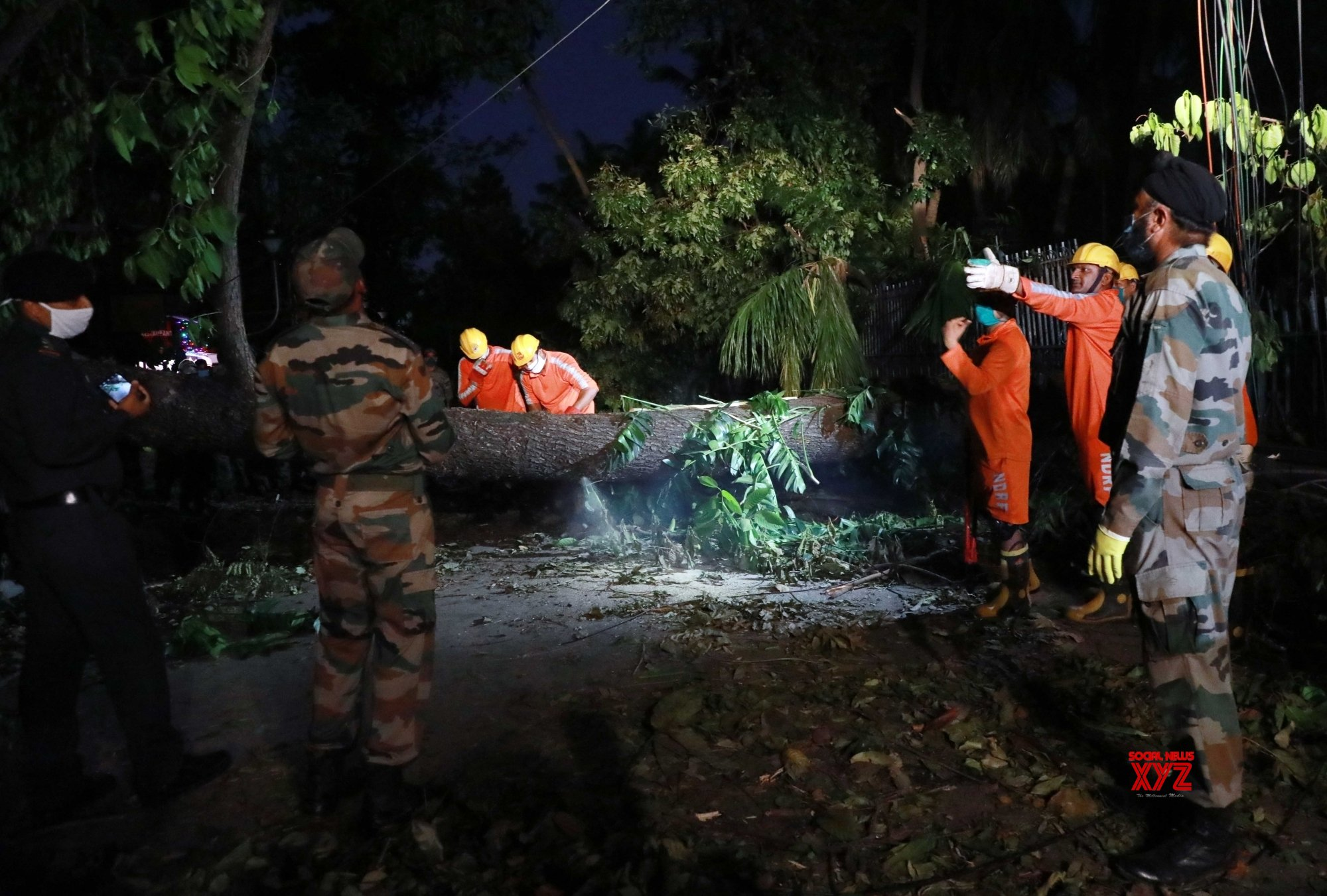 Kolkata: Cyclone Amphan: Clearance and restoration operation underway (Batch - 2) #Gallery