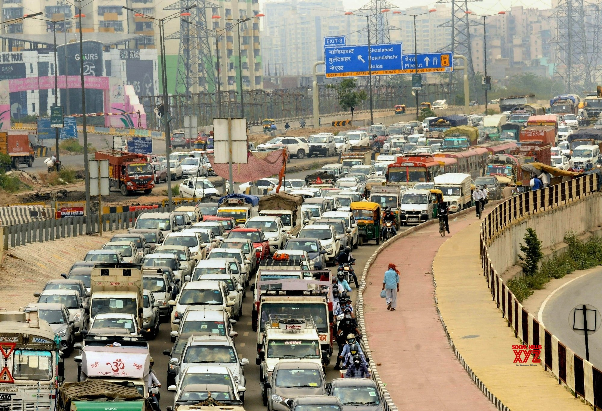 New Delhi: Traffic congestion at NH - 24 during lockdown 5.0 #Gallery