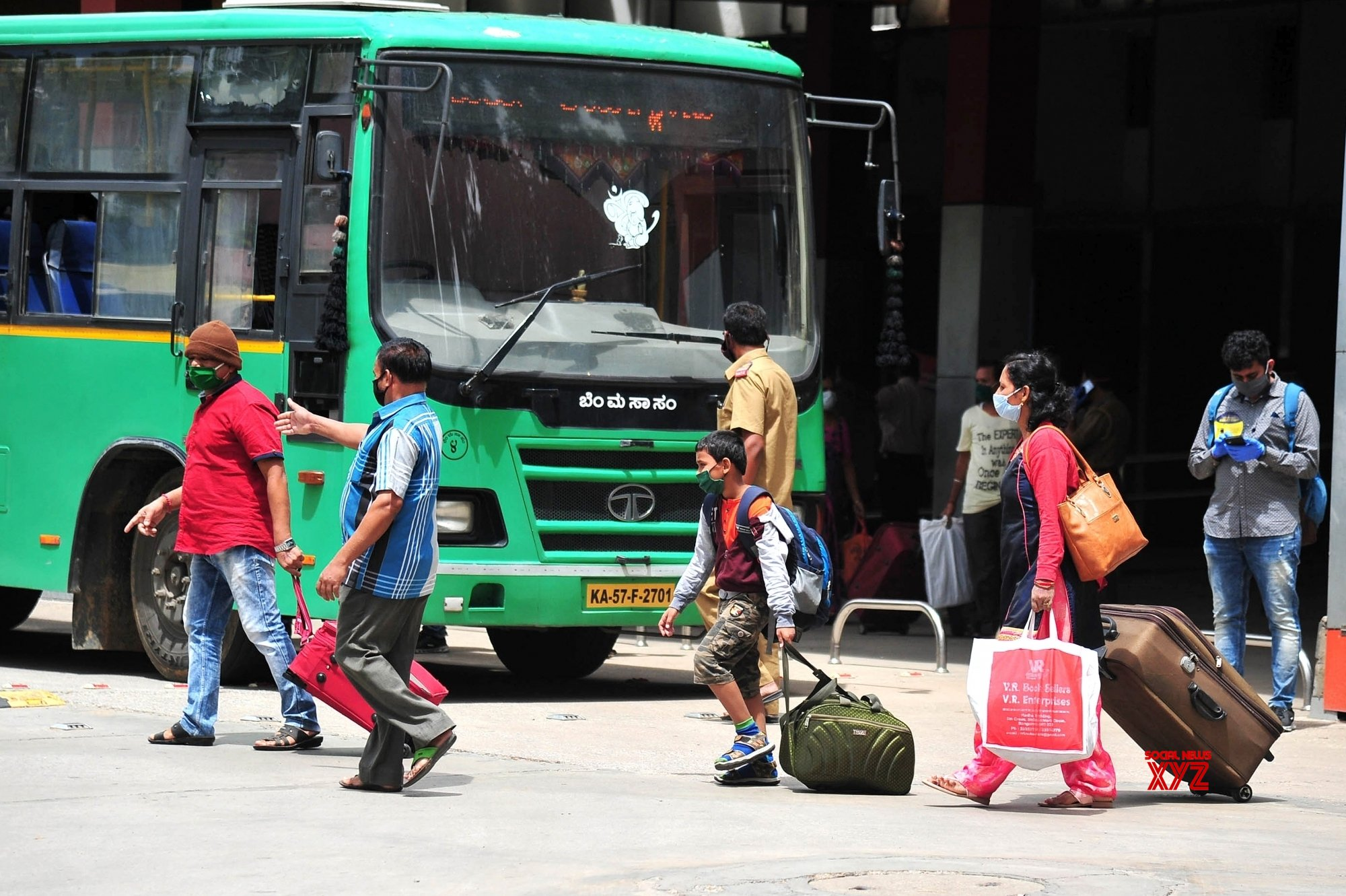 Passengers sans masks in K'taka bus land conductor in soup - Social News XYZ
