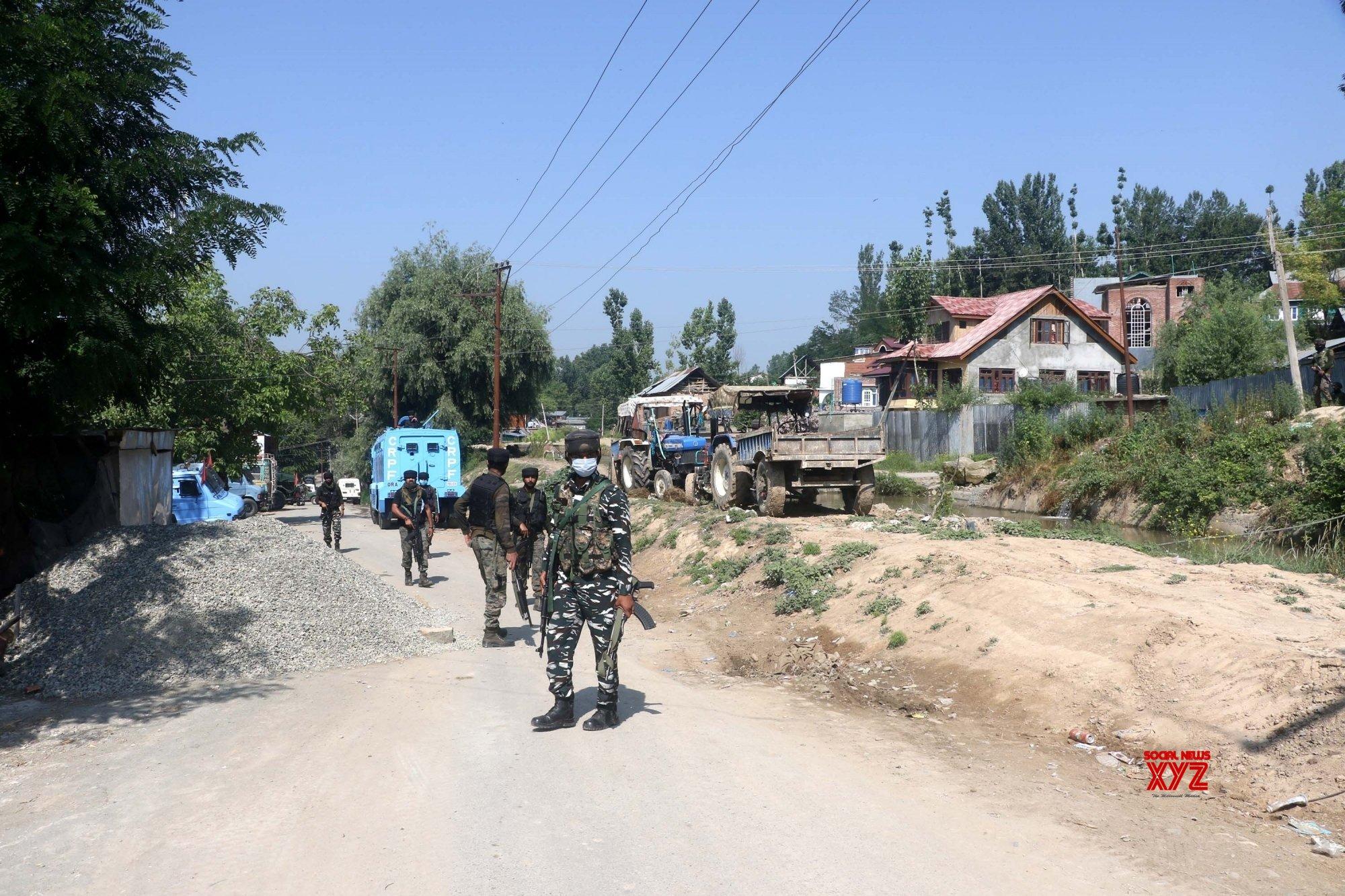 Anantnag: - Two terrorists killed in Kashmir encounter #Gallery