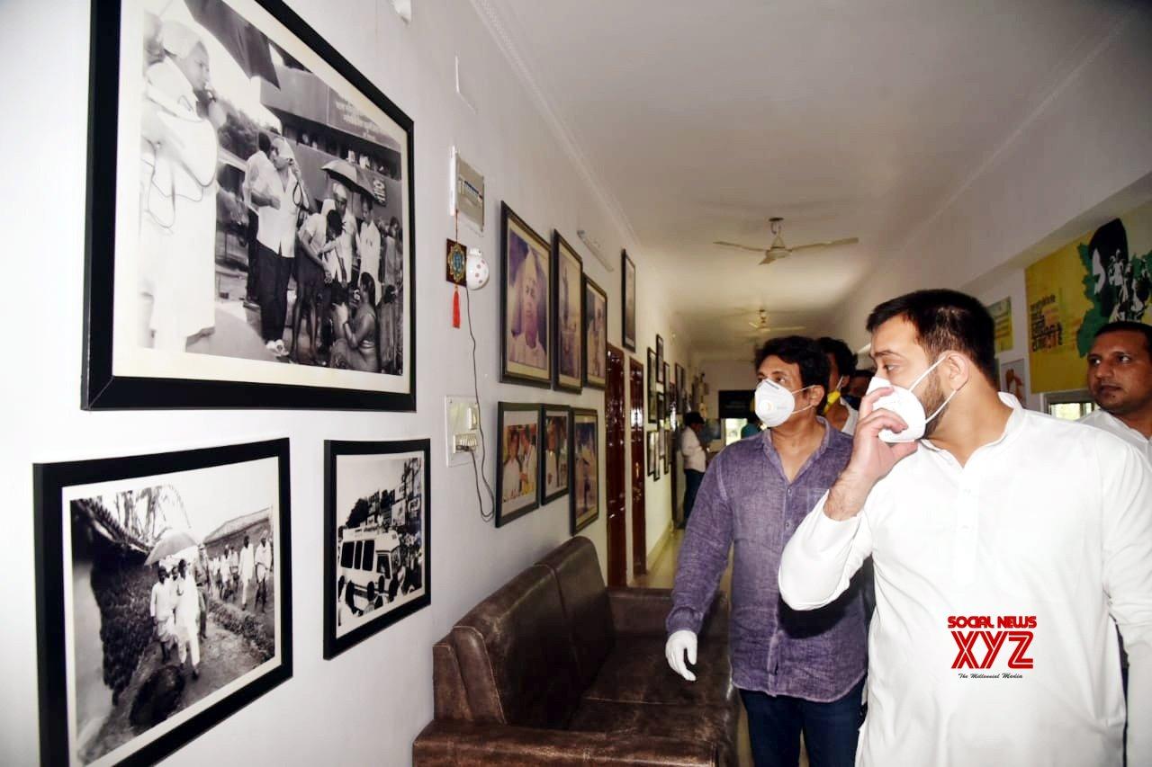 Patna: Shekhar Suman meets Tejashwi Yadav #Gallery