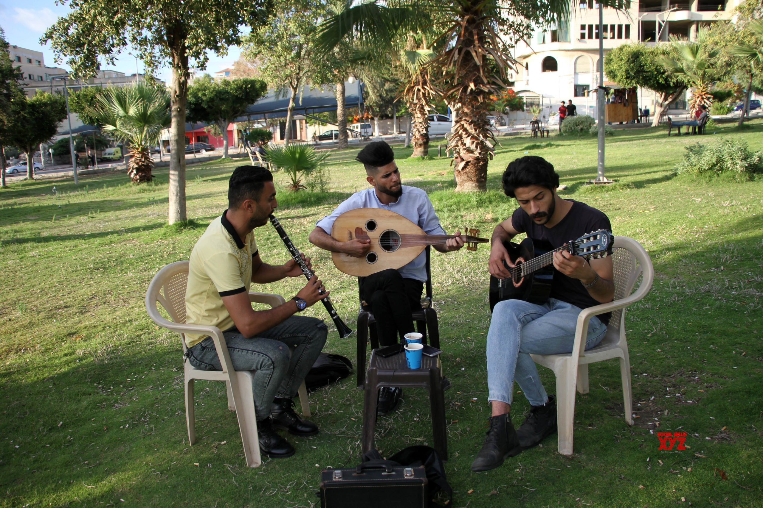 MIDEAST - GAZA CITY - YOUNG MUSICIANS - STREET PERFORMANCE #Gallery