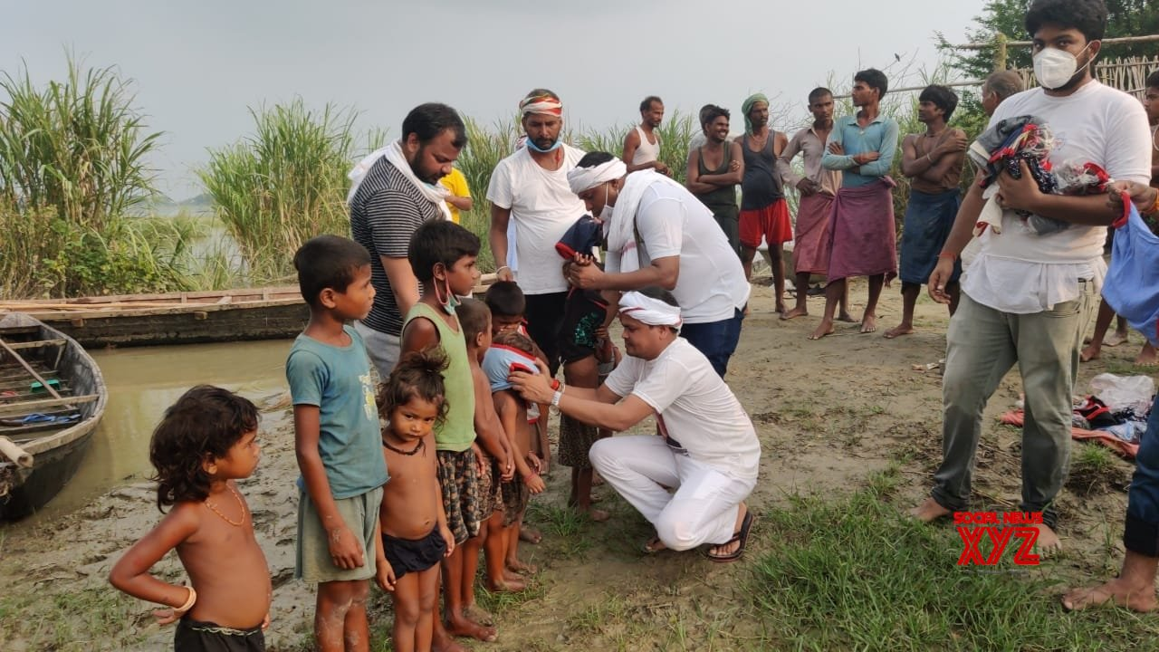 New Delhi/Patna: Indian Youth Congress reaches flood - affected Bihar with relief material #Gallery
