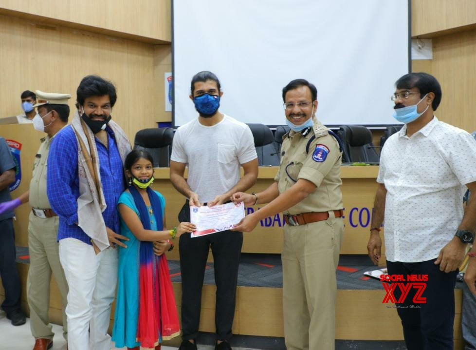 Vijay Devarakonda Urges People Who Have Recovered From Covid19 To Donate Plasma - Gallery