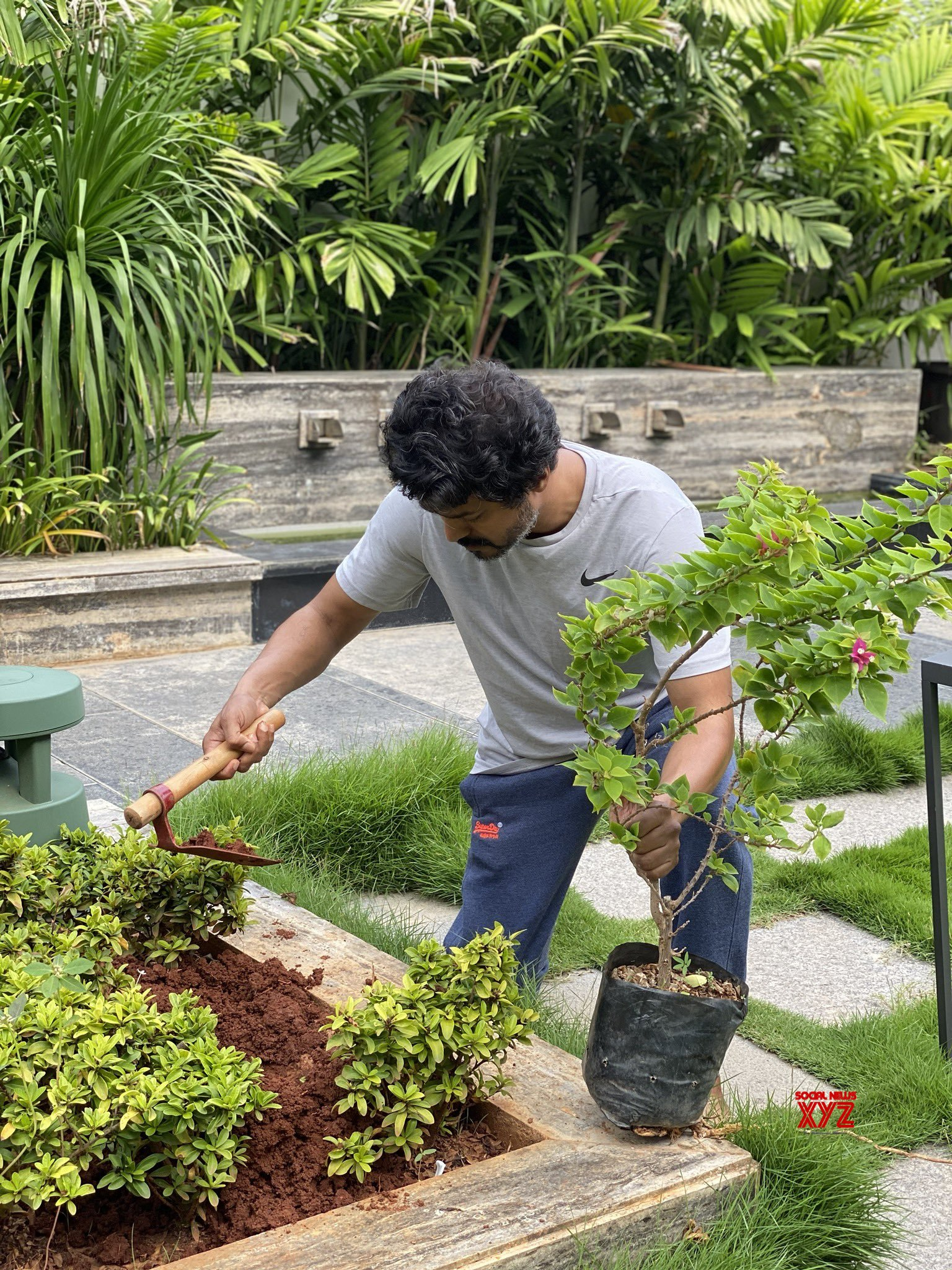 Thalapathy Vijay Takes Part In Green India Challenge Given By Super Star Mahesh Babu HD Gallery