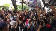 Young Thai protesters back on Bangkok's streets (Video)