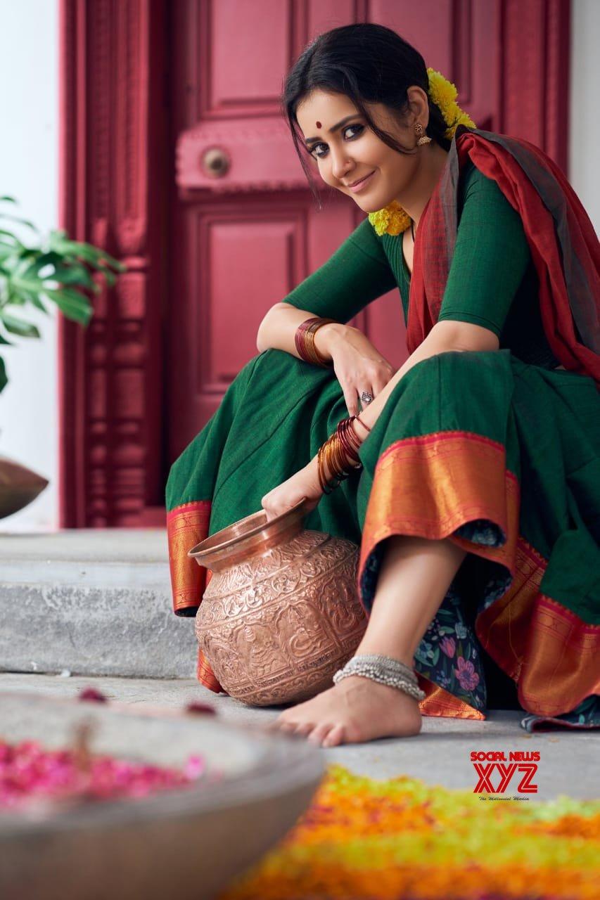 Beautiful Raashi Khanna Stills In A Colourful New Look