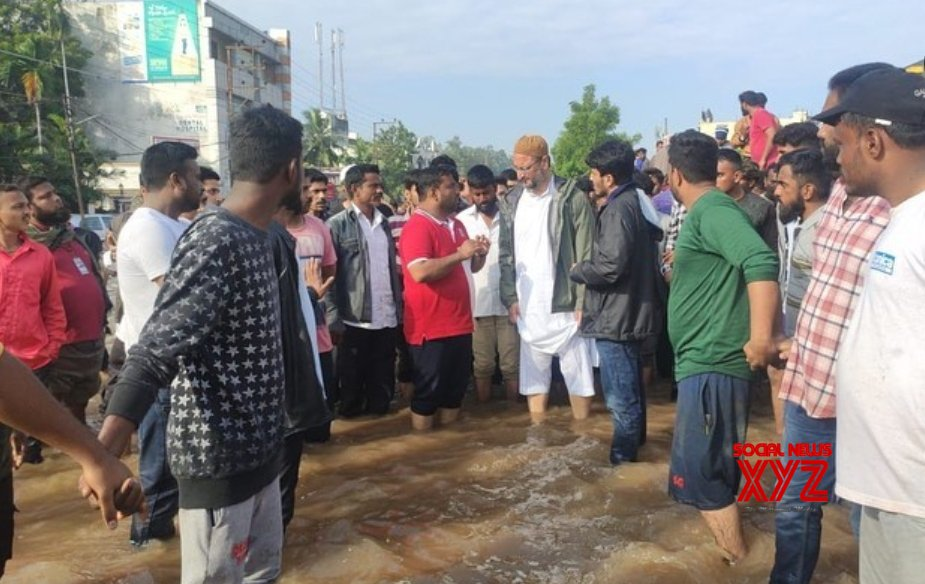 Hyderabad: AIMIM supremo Asaduddain Owaisi visits submerged localities in old city #Gallery
