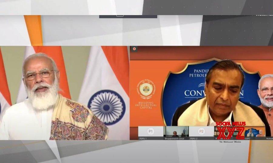 Raysan: Prime Minister Narendra Modi attends the 8th Convocation Ceremony of Pandit Deendayal Petroleum University. #Gallery