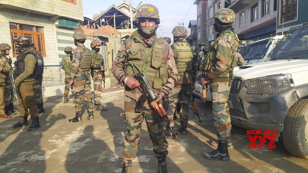AGuH chief trapped, 3 terrorists killed in Shopian gunfight