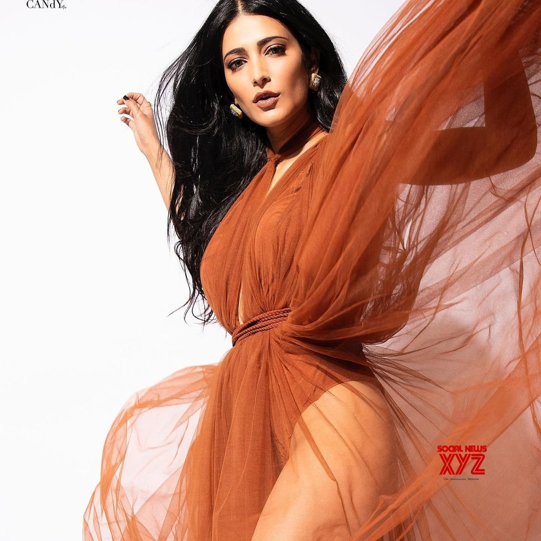 Actress Shruti Haasan Gorgeous New Still Stills