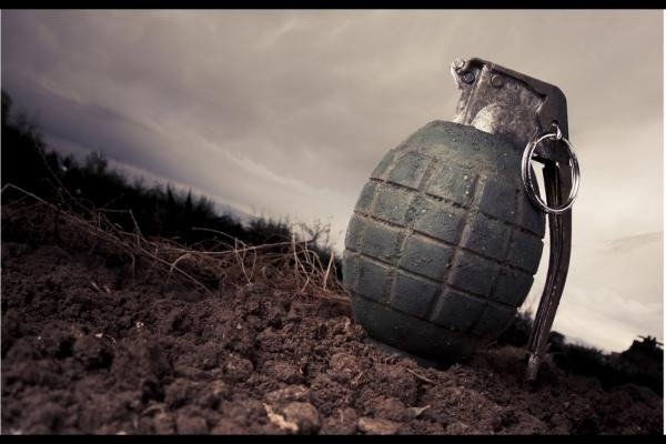 Militants lob grenade at CRPF & police party in Kashmir