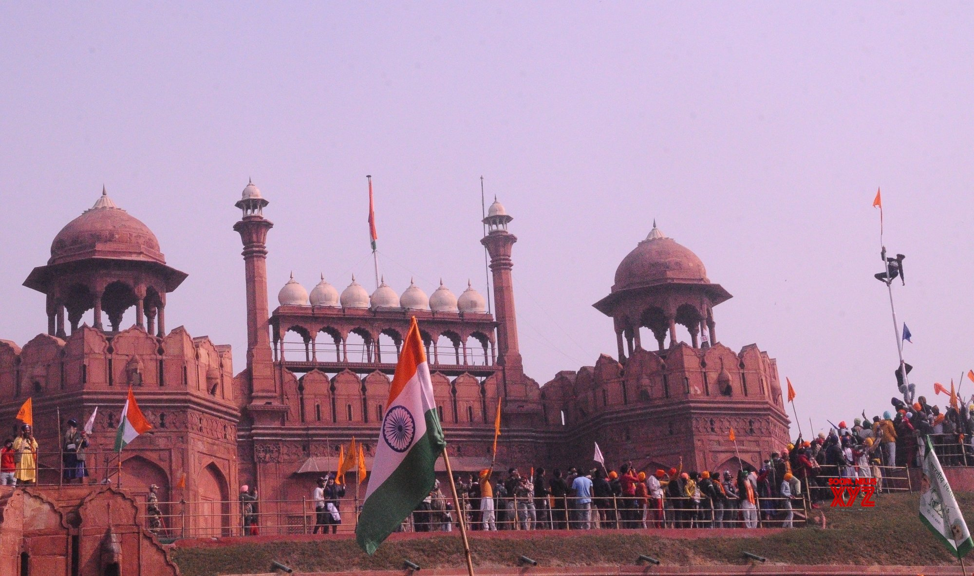 Man who climbed the ramparts of Red fort arrested