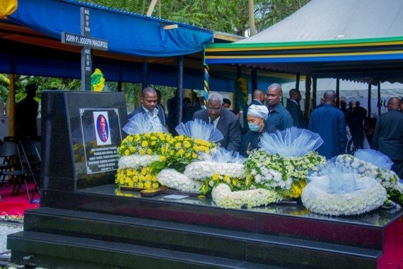 Tanzania: Dozens dead in stampede during mourning of Tanzania's late president #Gallery