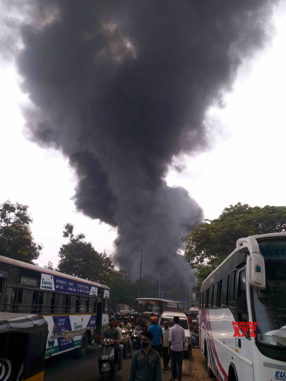 Hyderabad : Huge Fire Broke out from scrap Tires godown 7th April 2021. #Gallery