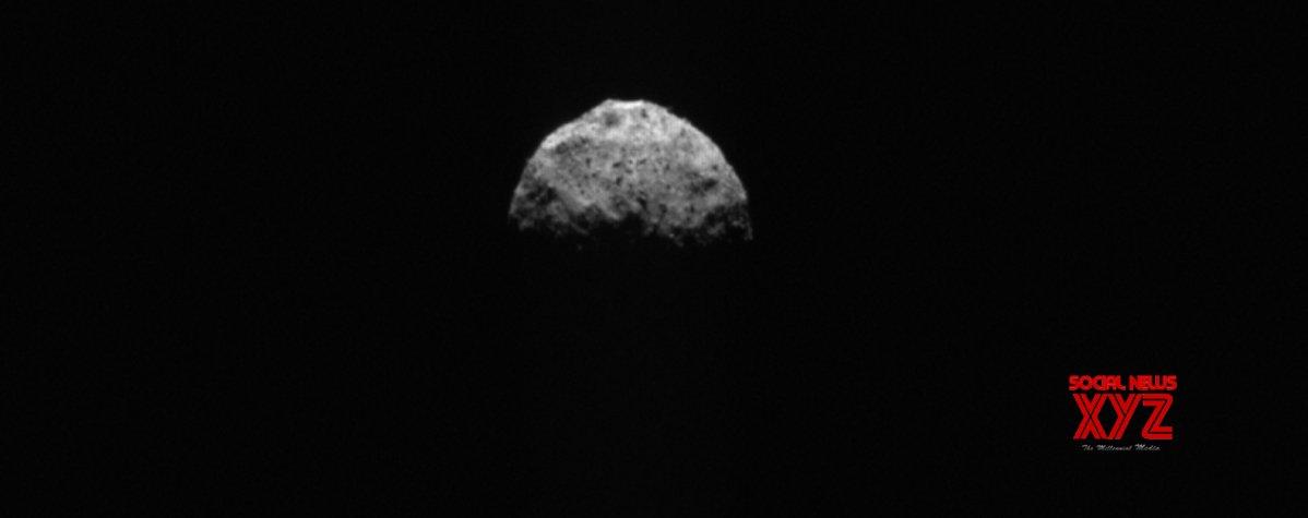NASA's OSIRIS-REx completes last flyover of asteroid Bennu