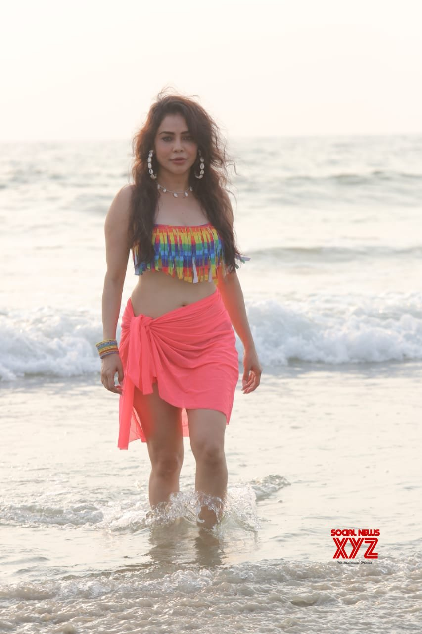 Nikita Rawal has been super fit and is looking gorgeous in these beach pictures