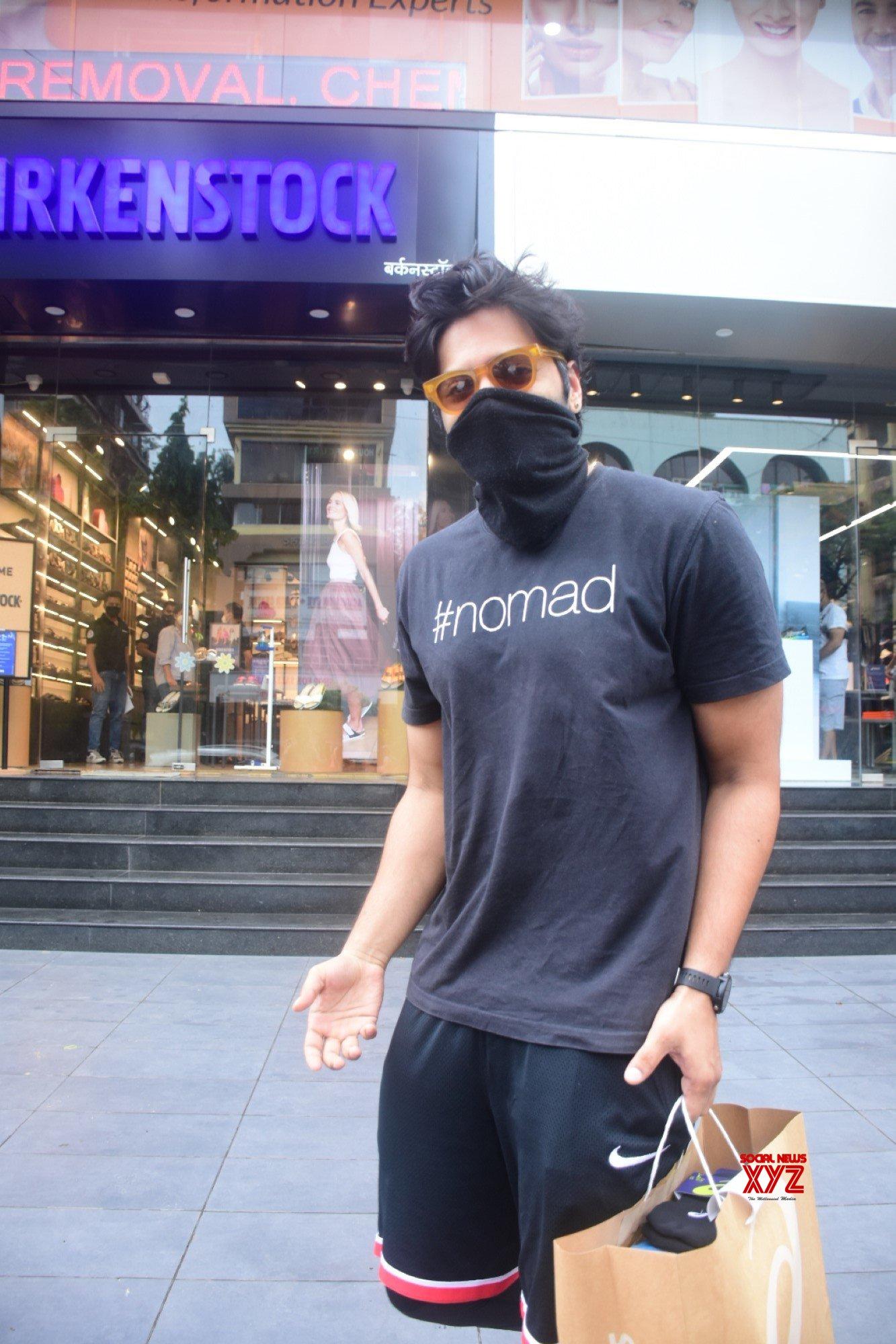 Ali Fazal Spotted At Bandra - Gallery