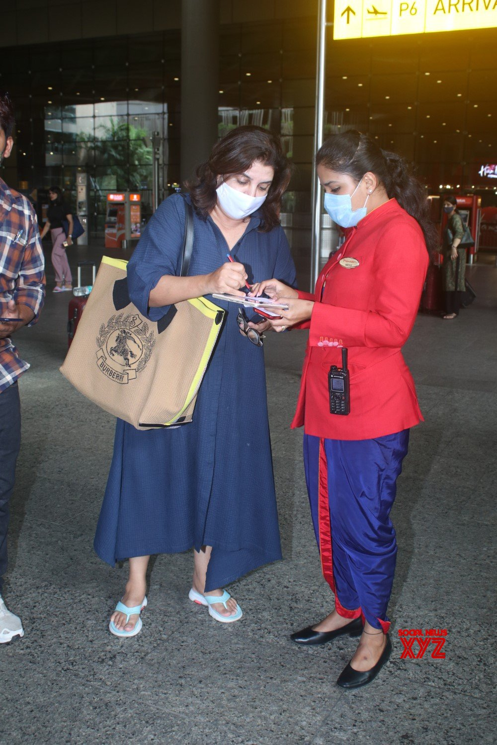 Farah Khan Spotted At Airport Arrival - Gallery