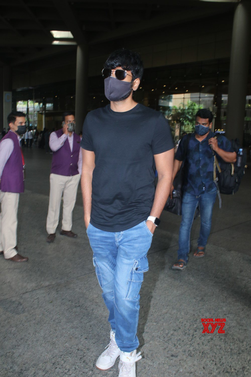 Sundeep Kishan Spotted At Airport Arrival - Gallery