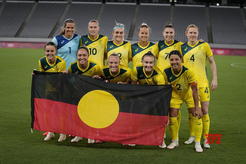 Aussie women footballers make unique statement against racism