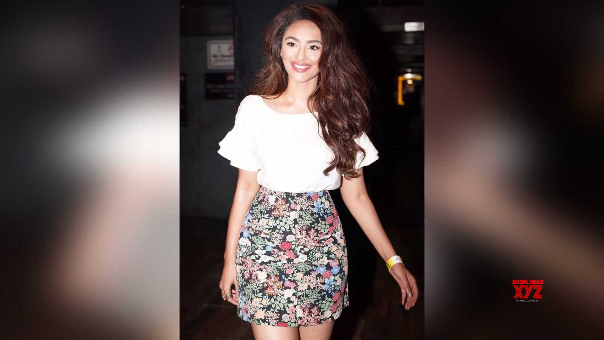 Seerat Kapoor reveals her new look for her upcoming Bollywood film, Looks mesmerizing