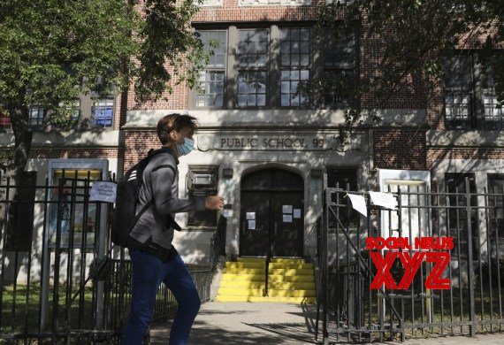 New York : NYC schools reopen for in - person learning with many calling for on - line option #Gallery