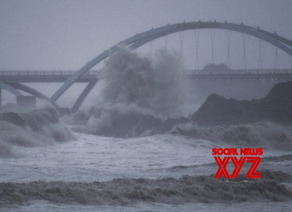 China : China renews second - highest alert for Typhoon Chanthu #Gallery