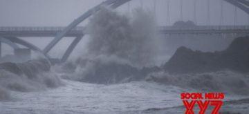 Photo taken on Sept. 13, 2021 shows high waves brought by Typhoon Chanthu near Dongsha scenic area of Zhoushan, east China's Zhejiang Province.(Xinhua/Xu Yu /IANS)