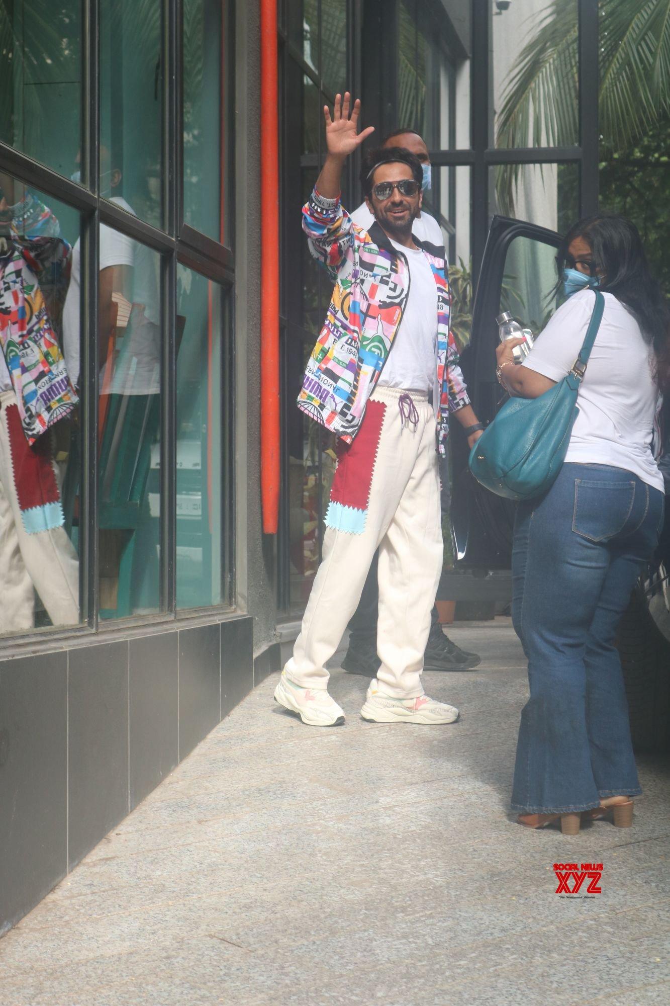 Ayushmann Khurrana Spotted Outside Maddock Office In Santacruz - Gallery
