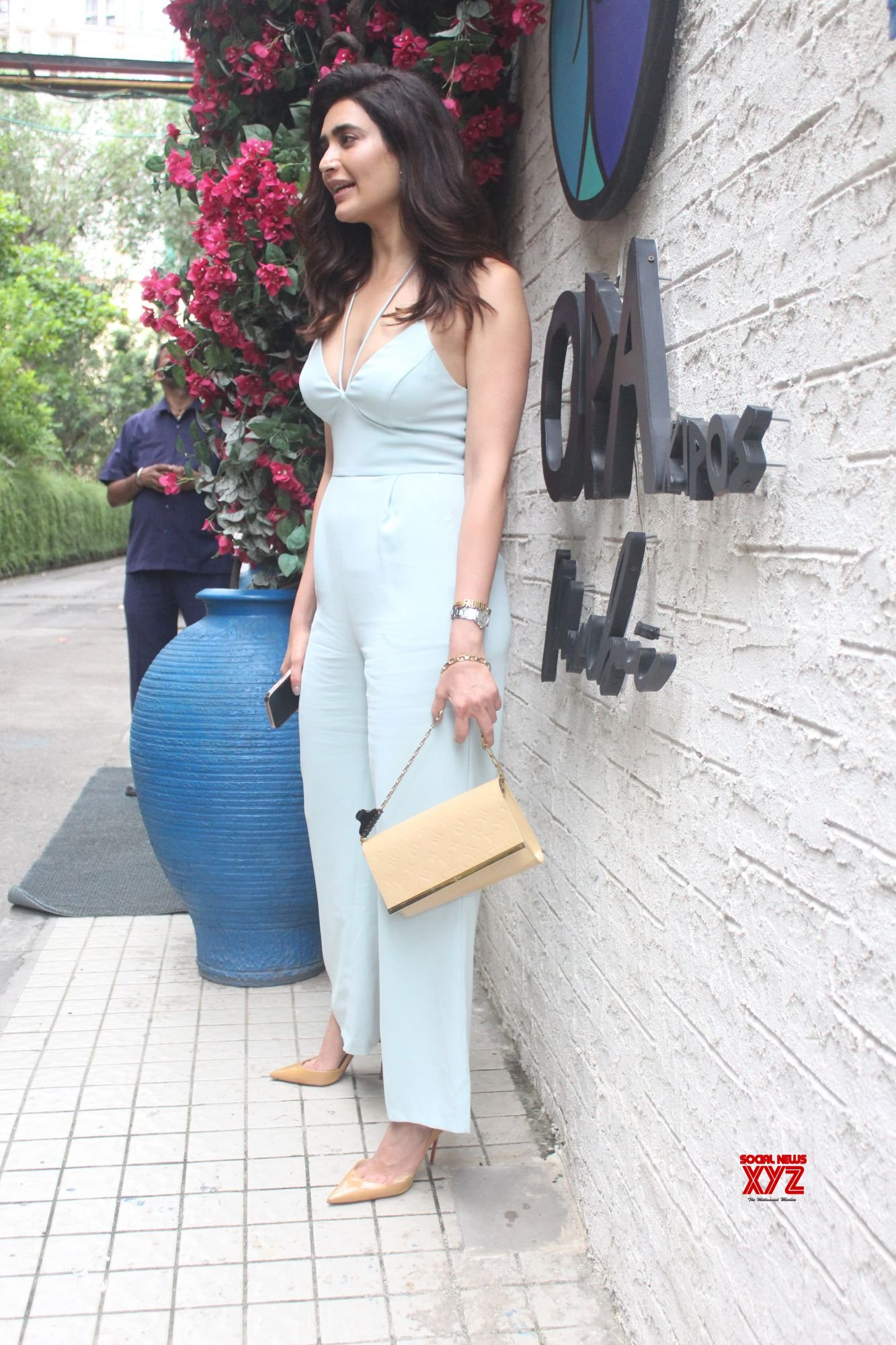 Actress Karishma Tanna Spotted Outside Restaurant - Gallery