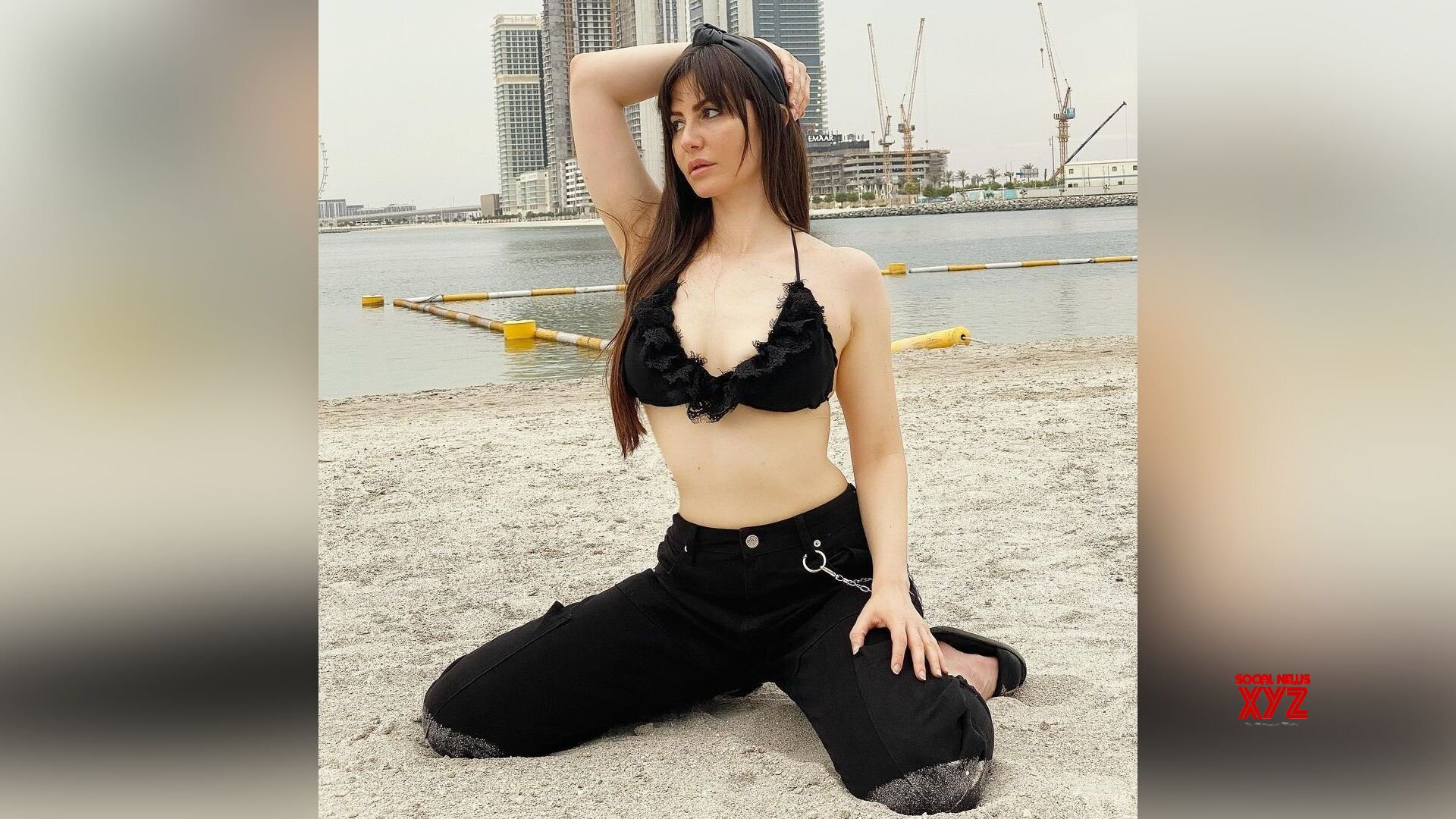 Actress Giorgia Andriani looks sultry in a black bikini bralette paired with black joggers. Well, her new look is creating a new trend in the town