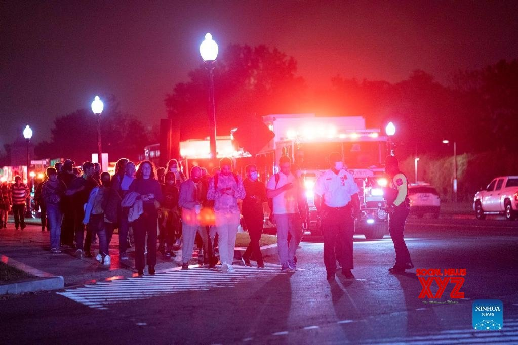 Hundreds evacuated from derailed metro train in Arlington, US #Gallery