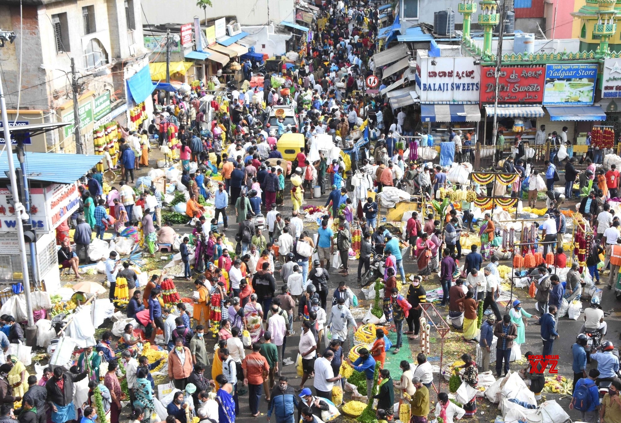People rushed at Avenue Road and KR Market during Ayudha pooja festive shopping, #Gallery