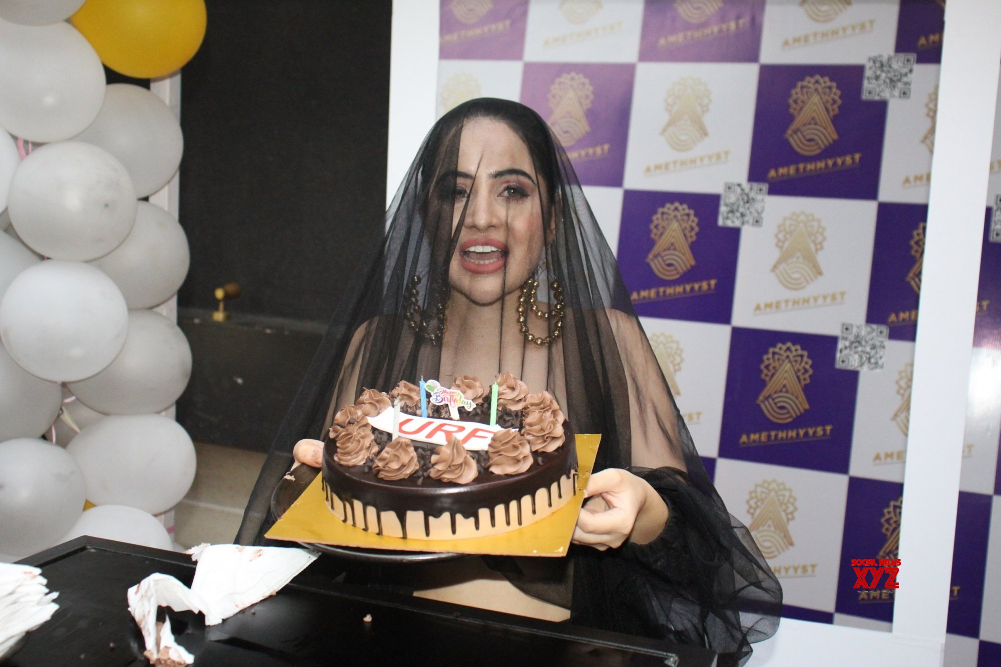 Bigg Boss OTT Fame Urfi Javed Spotted In Andheri For Her Pre Birthday Bash With Her Close Friends - Gallery