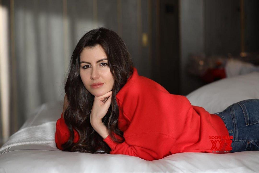 'Stars are born to shine',  says actress Giorgia Andriani for Shehnaaz Gill's upcoming release 'Honsla Rakh'
