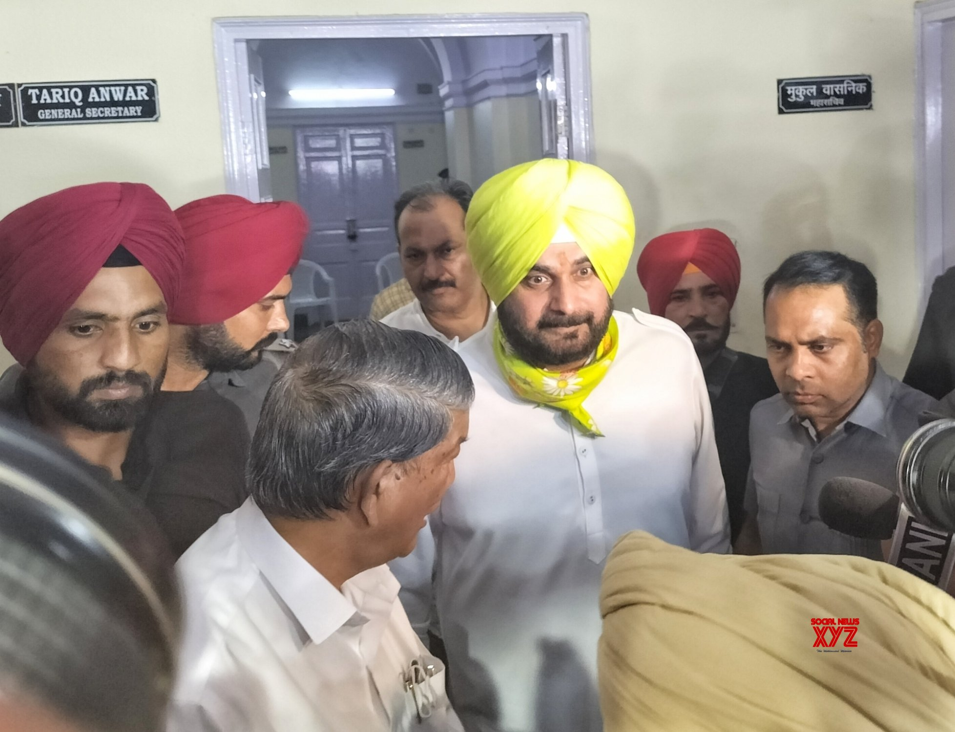 PPCC chief Navjot Singh Sidhu leaves after meeting party leaders KC Venugopal and Harish Rawat #Gallery