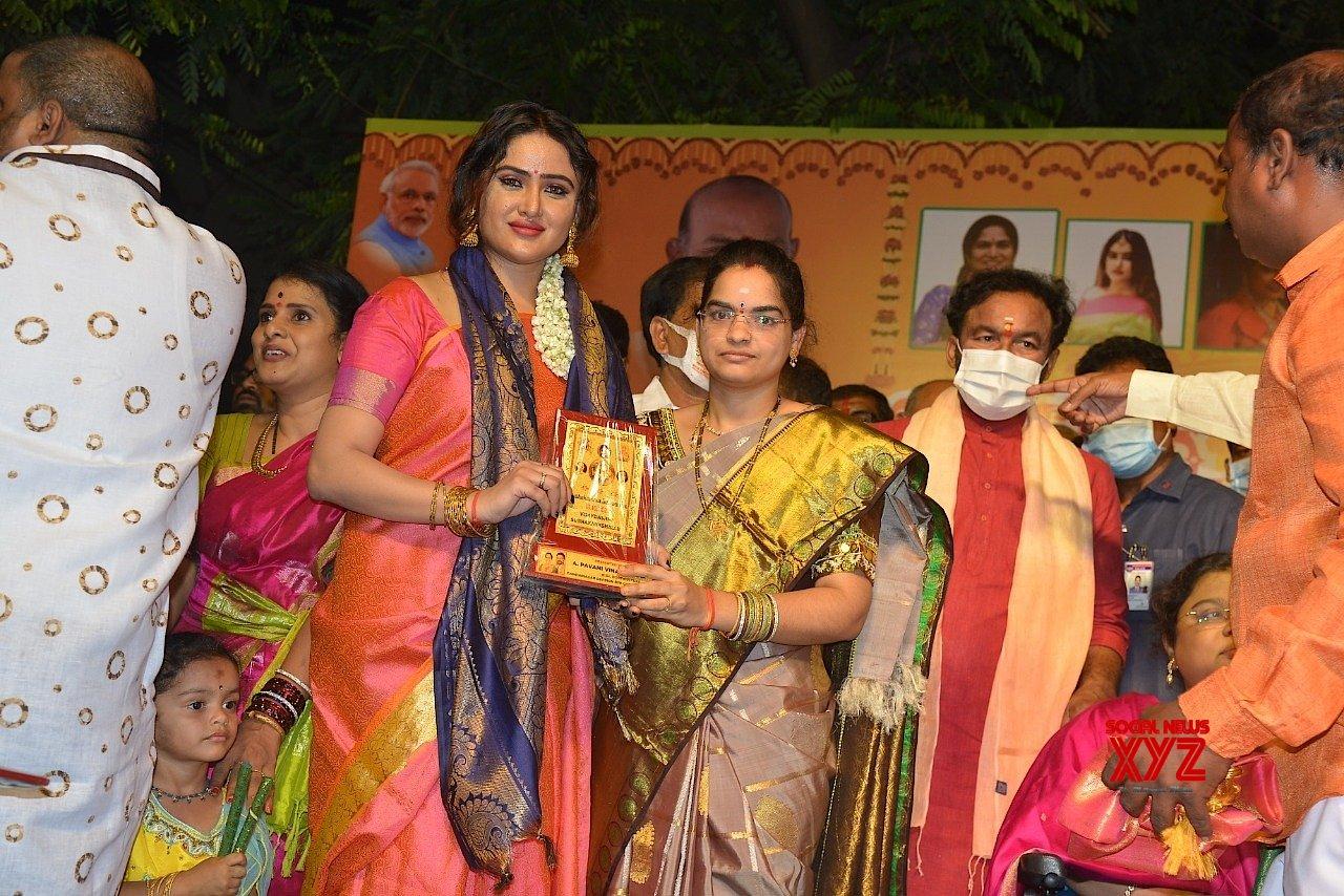 Glamour Sensation Sony Charishta Participates In Bathukamma Celebrations Along With Central Minister Shri G Kishan Reddy - Gallery