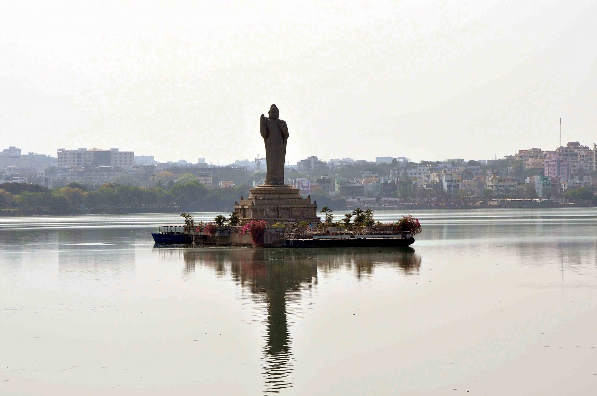 No increase in Hussain Sagar pollution this year, says TSPCB