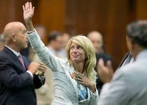 http://tv.msnbc.com/2013/06/26/wendy-davis-texas-flibuster-puts-the-u-s-senate-to-shame/