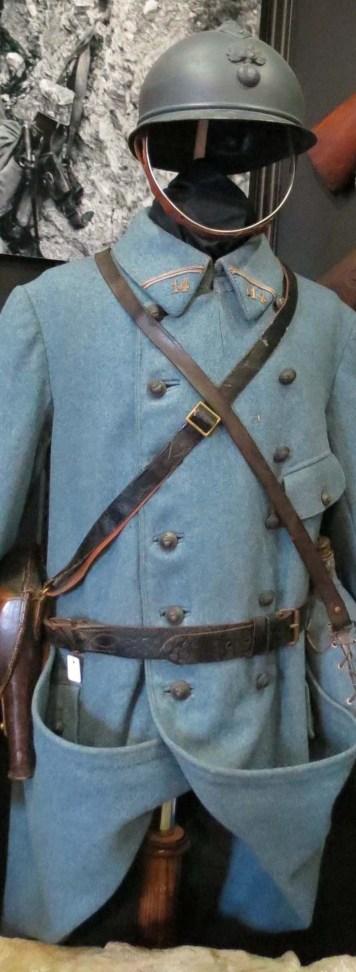 Uniforme bleu horizon de la première guerre mondiale
