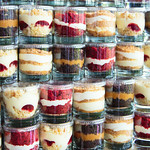 Bee's Knees Cake-Cups